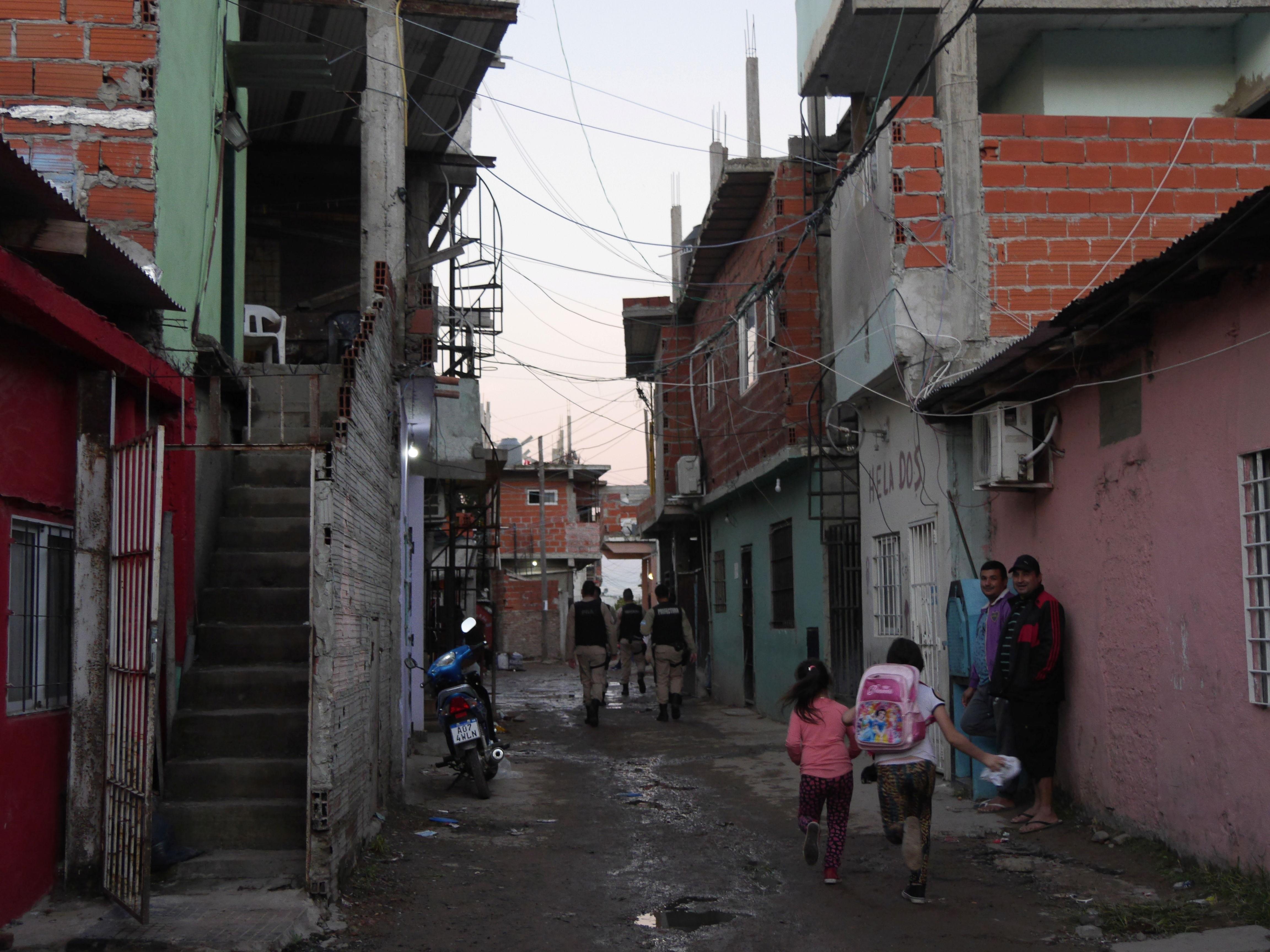La lucha de los vecinos de la villa más grande de Buenos Aires contra la violencia policial