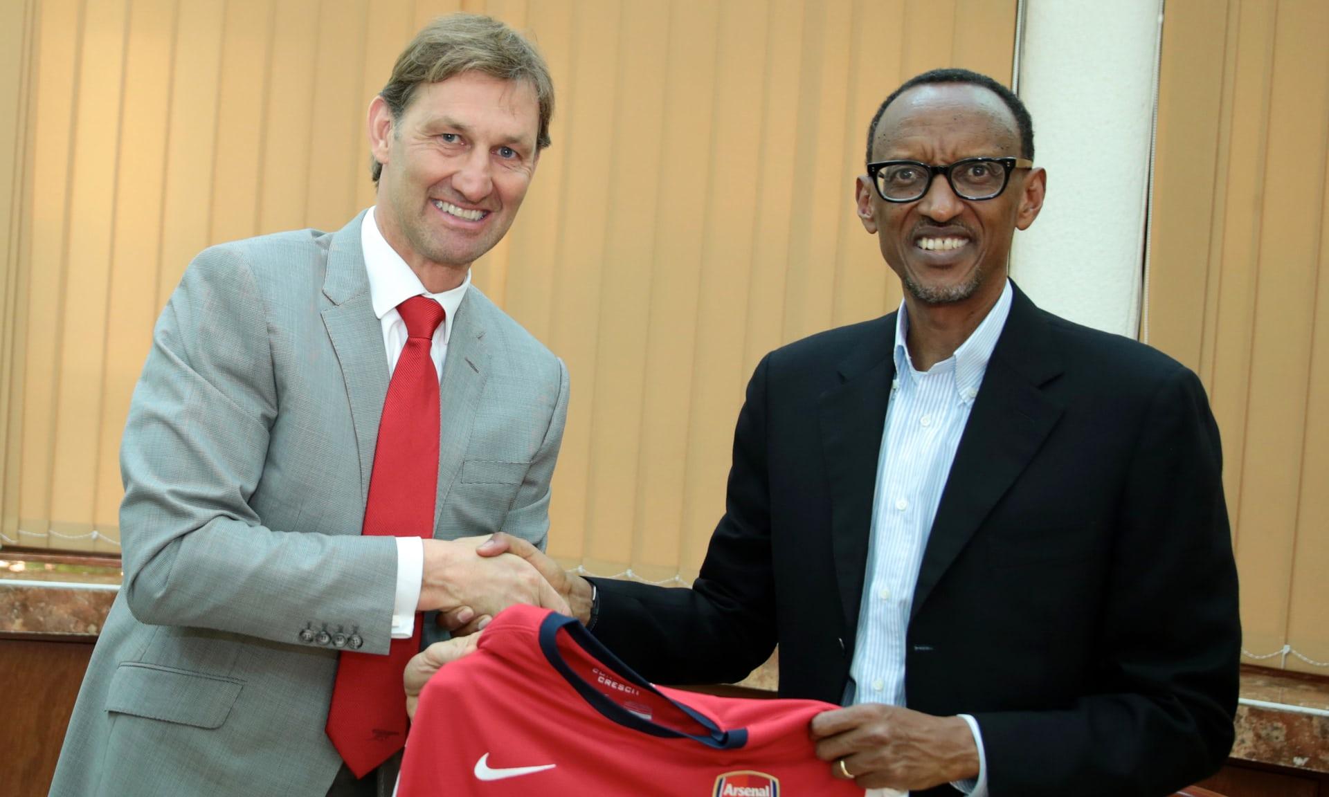 Cuando los pobres patrocinan a los ricos: el caso Ruanda y Arsenal FC