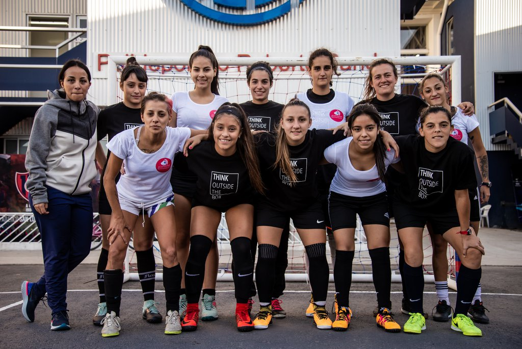 Cómo Vélez, San Lorenzo y Huracán buscan resolver la histórica discriminación de género en el fútbol argentino