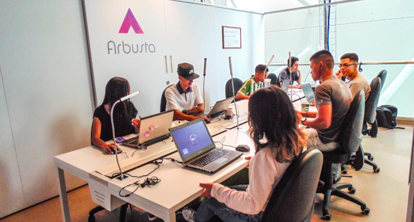 Una idea para incorporar a jóvenes de barrios marginados a la economía digital