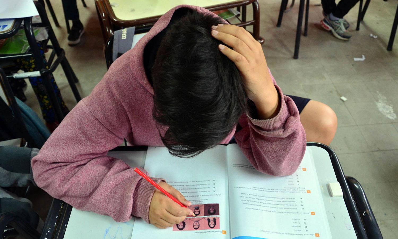 Proponen que los adolescentes arranquen las clases una hora más tarde