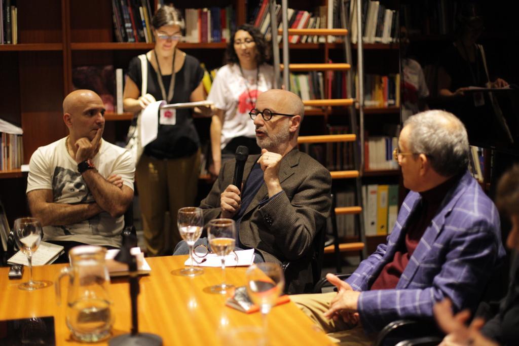Rodrigo Fresán junto a Horacio Castellanos Moya y José María Brindisi en el Filba.