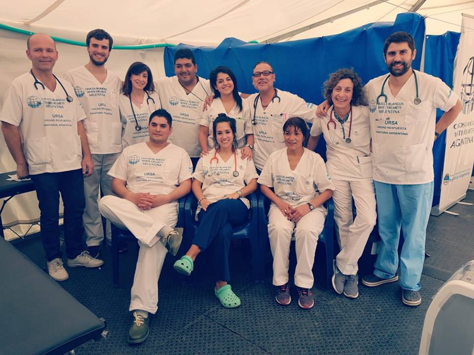 Los voluntarios de Cascos Blancos en Cúcuta, en el puesto argentino de asistencia para migrantes en la frontera entre Colombia y Venezuela.