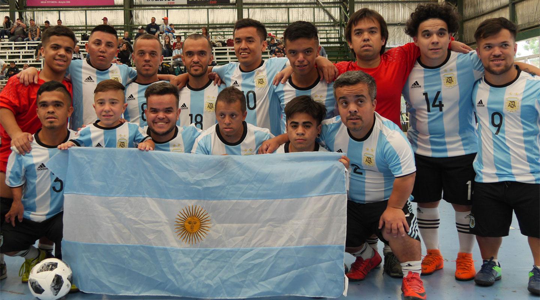 La historia de la primera selección de fútbol de talla baja del mundo  la  Argentina  47a92f8194100
