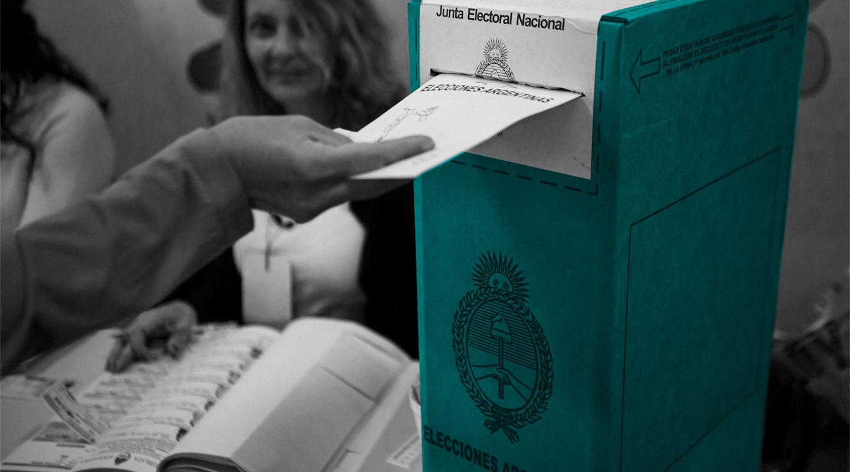 Los argentinos siguen creyendo en la democracia en medio de una fuerte caída del apoyo en América Latina