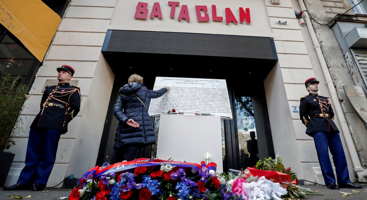 Francia recuerda a las víctimas del Bataclan