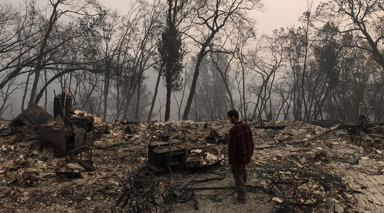 La esperanza resiste entre el fuego de California