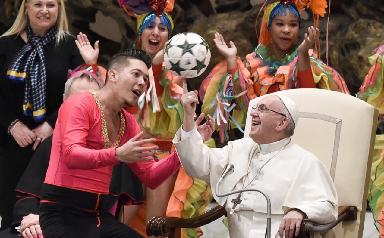 Un malabarista en el Vaticano