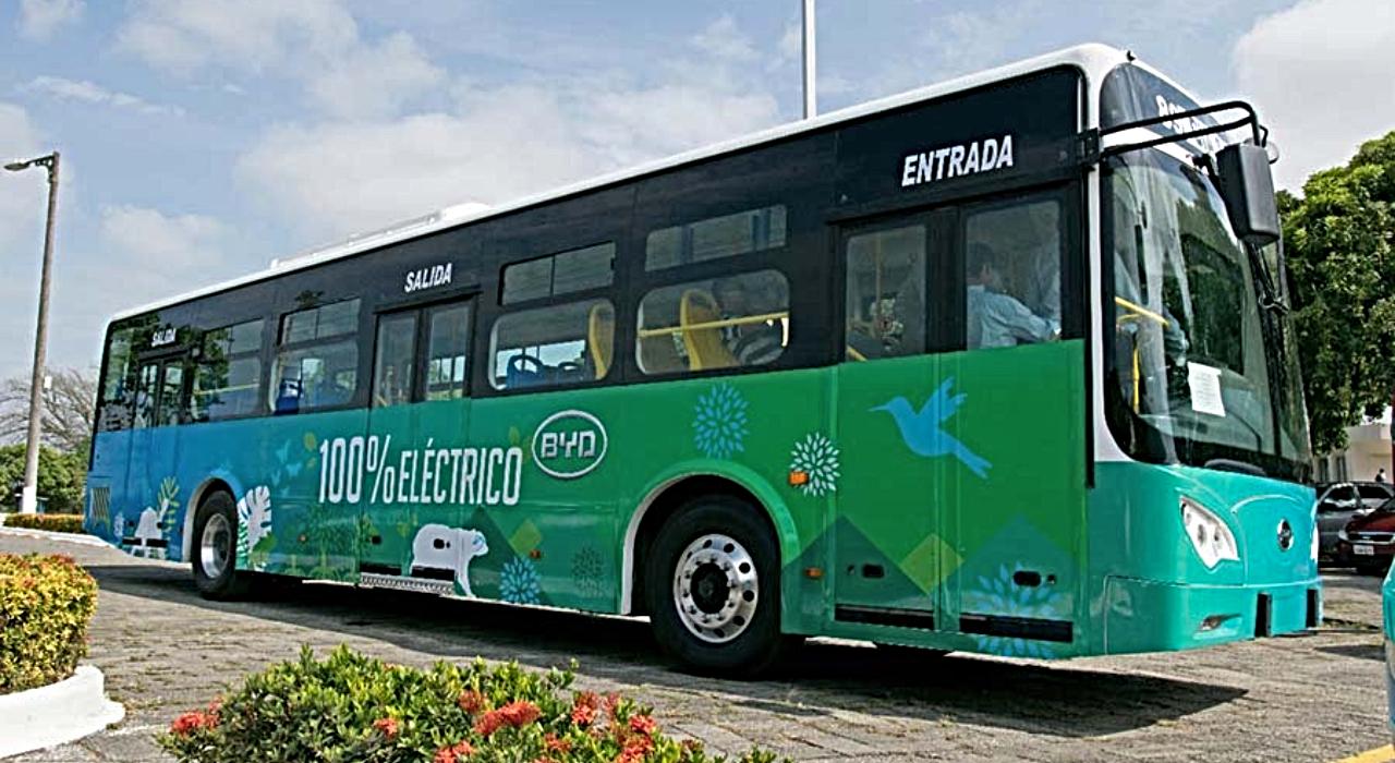 Los buses eléctricos toman las calles de América Latina