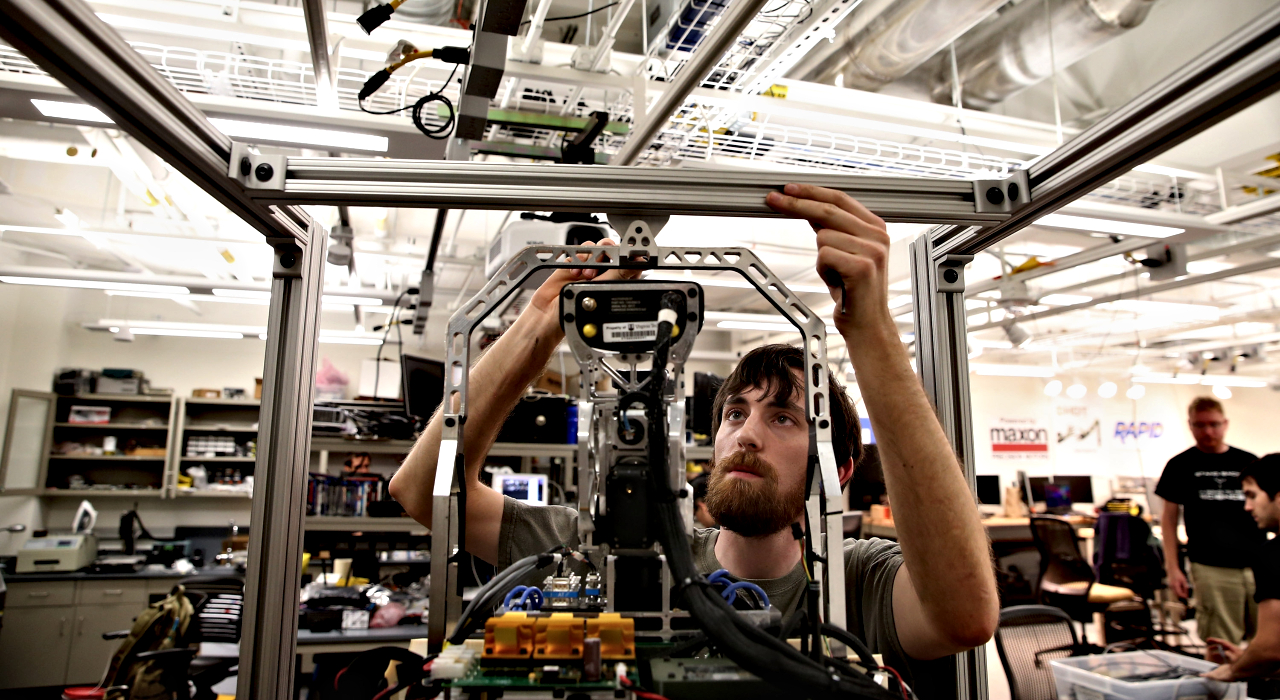 El futuro del trabajo: ¿cómo llegaremos a pagar las cuentas a fin de mes en la cuarta revolución industrial?