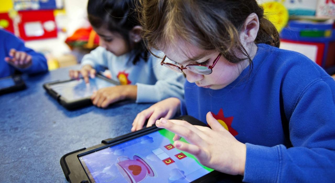 Cómo criar hijos con hábito de tecnología saludable