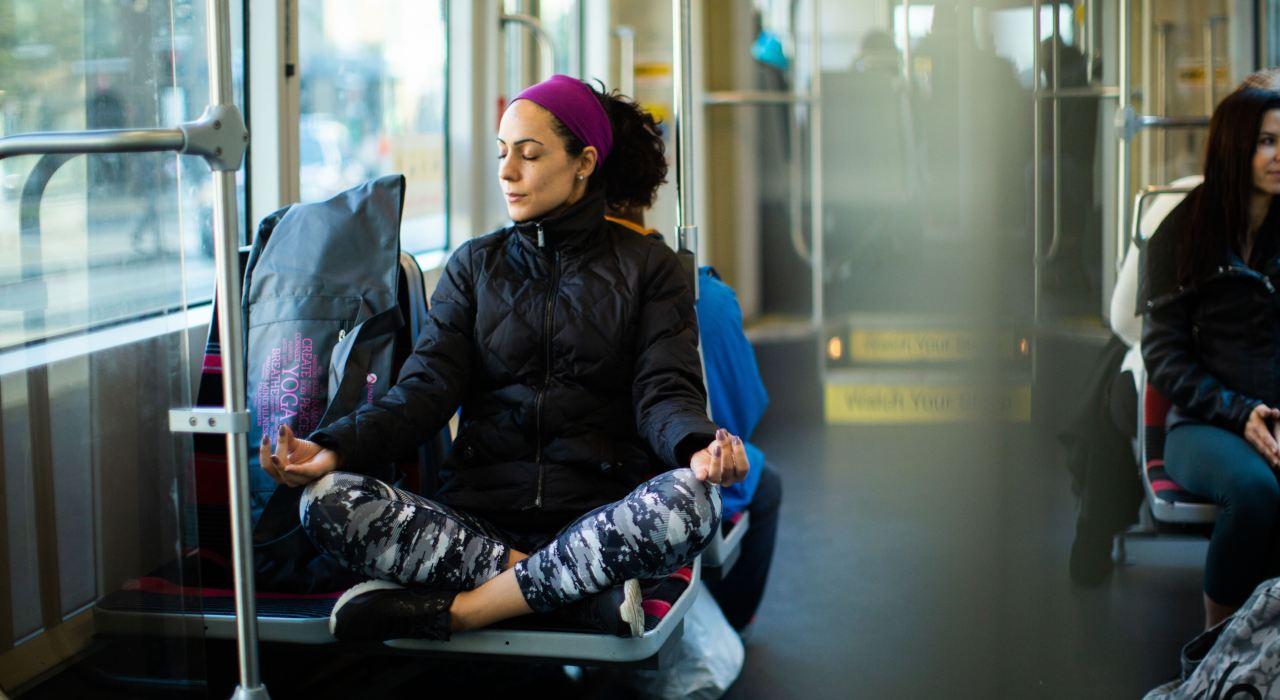 Cómo hacer yoga donde sea