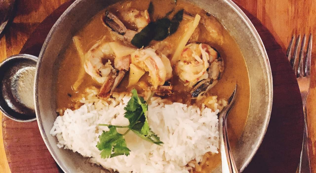 Dónde comer curry auténtico con onda ? y ¡mucho más!