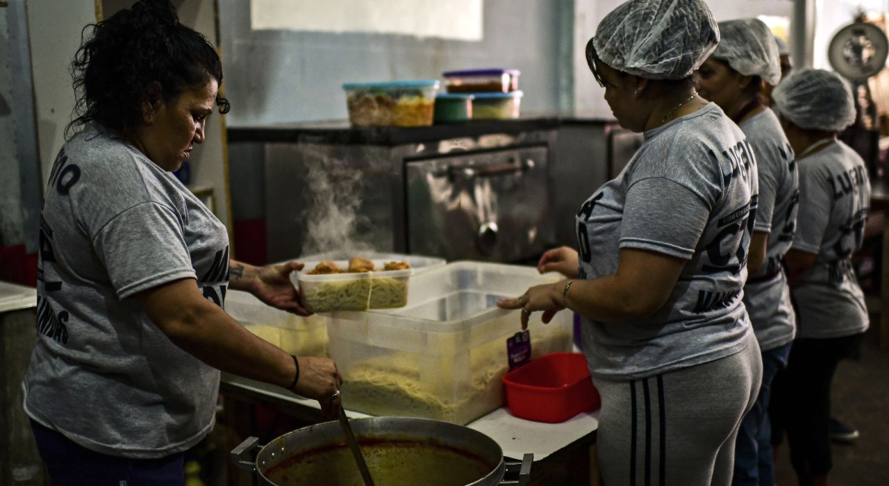 Emergencia alimentaria: cuántos comedores hay en el país y por qué son insuficientes