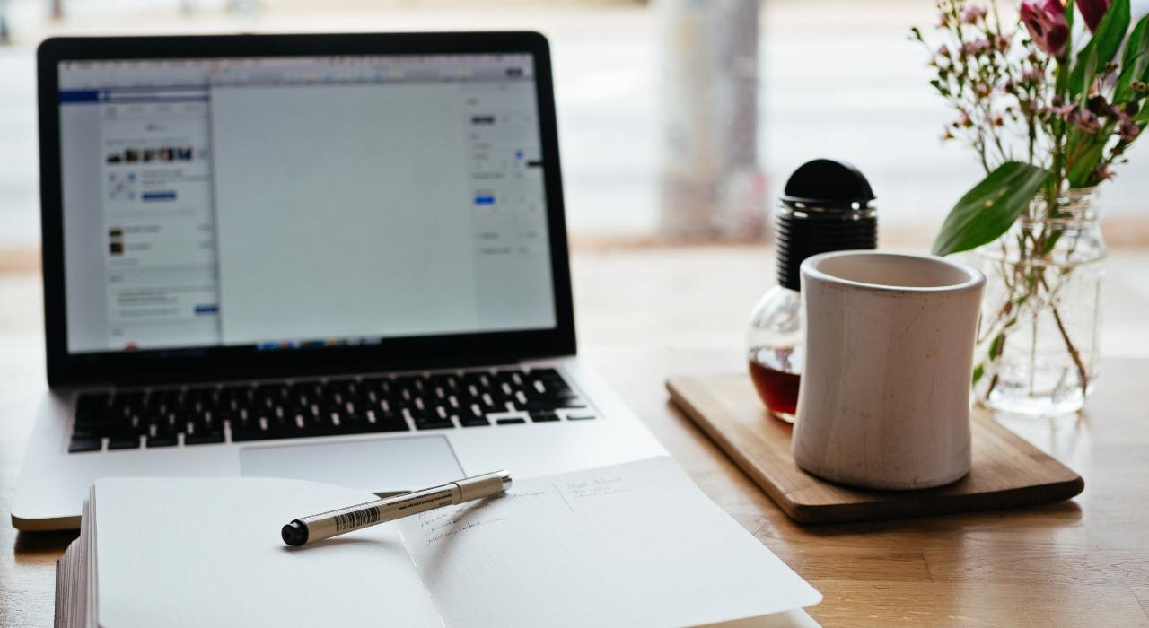 #YoMeQuedoEnCasa: cursos online gratuitos, recetas de inspiración y algunas lecturas