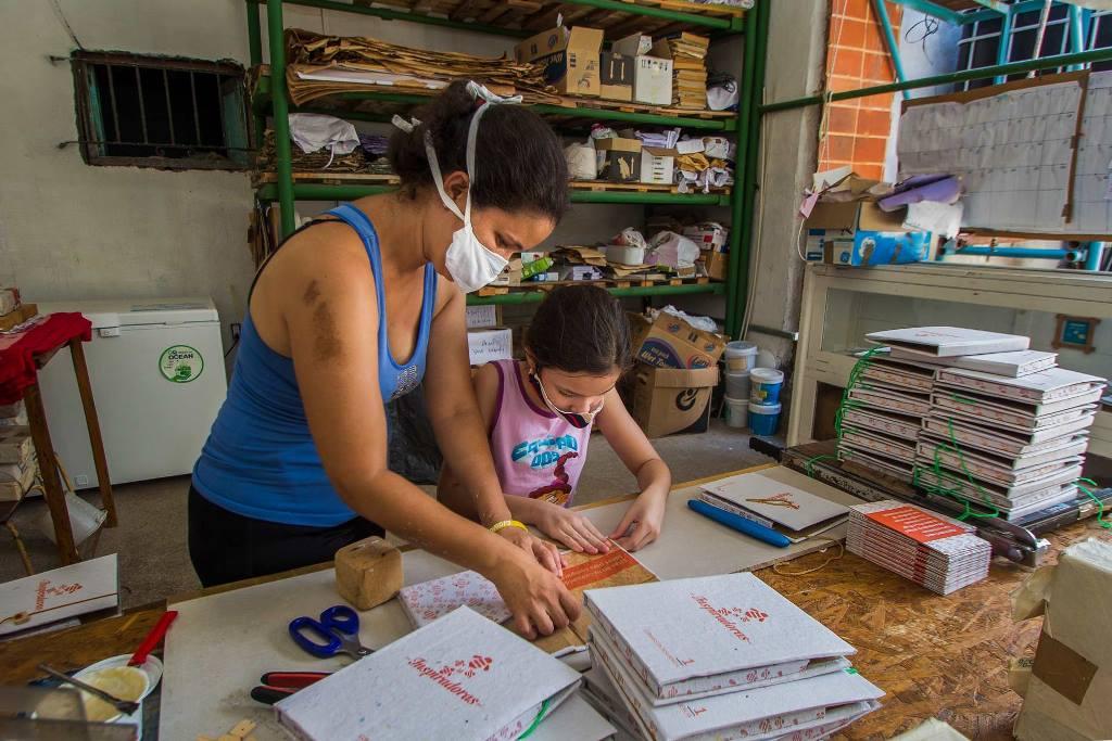 """Cómo trabaja el """"fondo resiliente"""" que busca ayudar a pequeños emprendimientos en la crisis"""