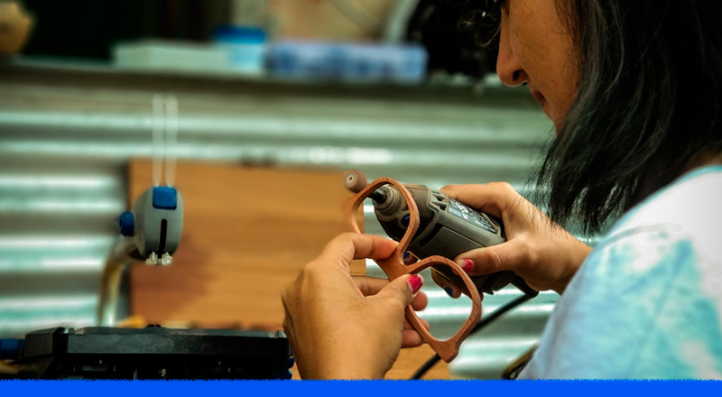De proyecto individual a cooperativa: lentes de sol por artesanos rurales