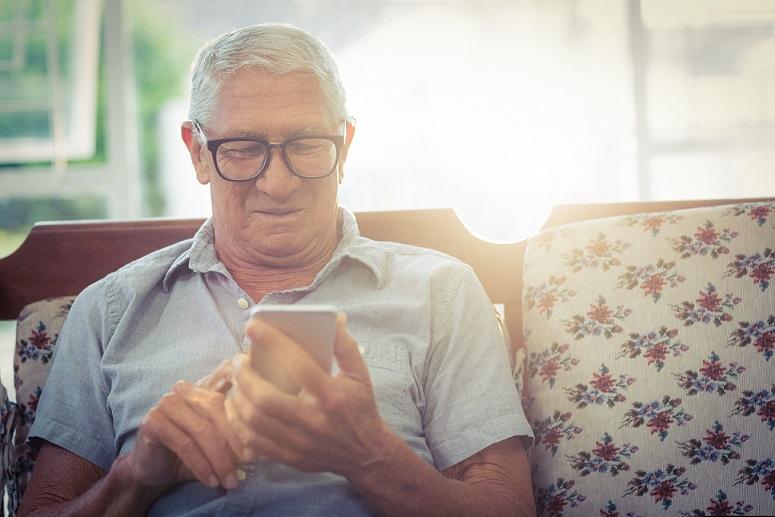 La inclusión digital de personas mayores, uno de los desafíos pospandemia para la AMIA