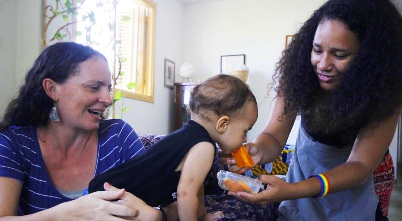 La historia de Paulo: el primer bebé con dos mamás reconocidas legalmente en Cuba