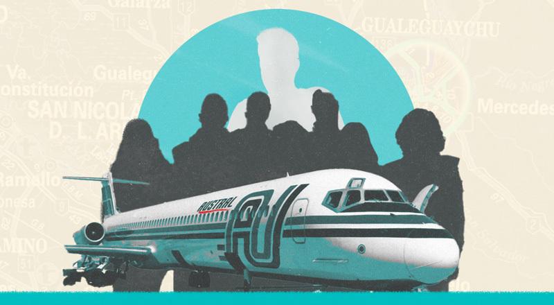 Un avión de la empresa Austral, con sombras jóvenes de fondo y, más al fondo, el contorno de un hombre.